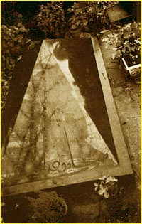 Hedayat's grave in Paris
